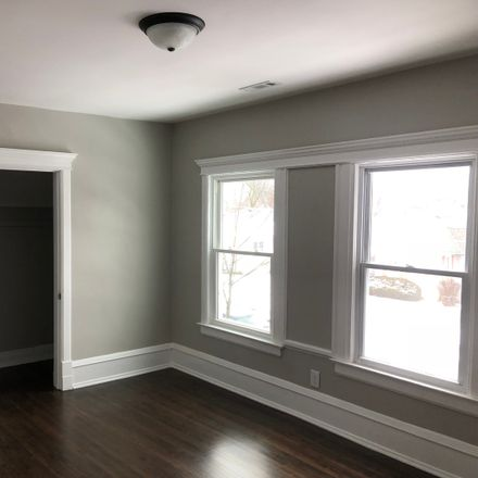 Rent this 1 bed townhouse on 425 Morgan Street in Elgin, IL 60123