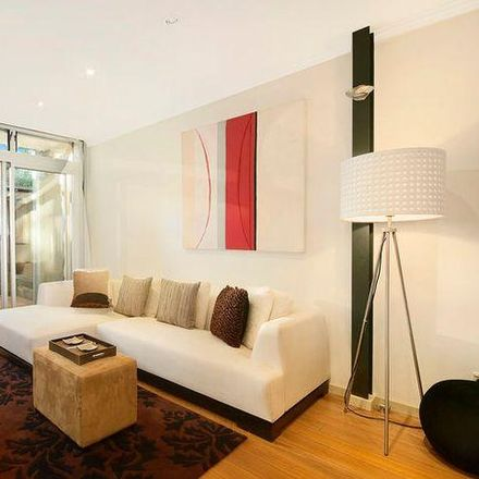 Rent this 3 bed apartment on 7 Crescent Street