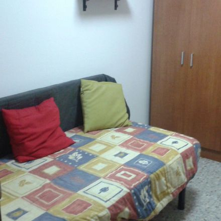 Rent this 1 bed room on Rúa Mister Archer Milton Huntington in 23, 15011 A Coruña