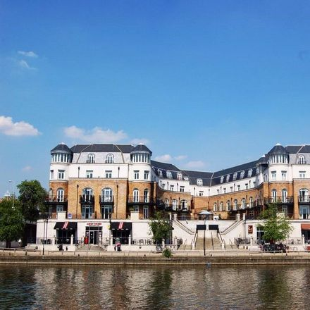 Rent this 2 bed apartment on River Thames in Chertsey Lane, Runnymede TW18 3JH