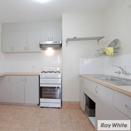 Rent this 3 bed apartment on 4/71 Norbury Way