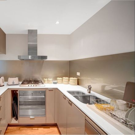 Rent this 3 bed apartment on 12/11 Waverly Crescent