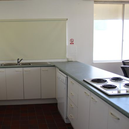 Rent this 2 bed apartment on 9/5 Dingle Avenue