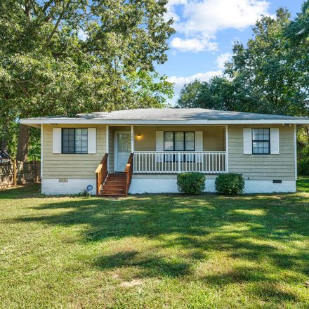 Rent this 3 bed house on Dale Dr in Colonial Beach, VA