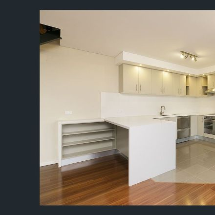 Rent this 3 bed apartment on 54/5 Tusculum St