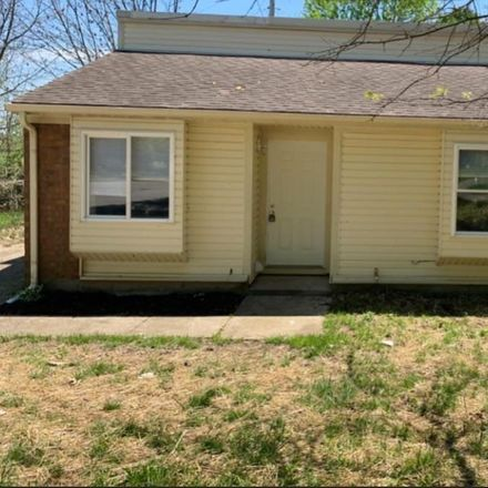 Rent this 3 bed house on Mirror Lake Dr in Lexington, KY