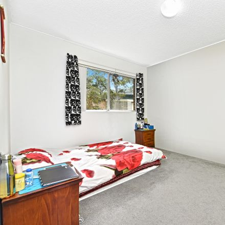 Rent this 2 bed apartment on 37/6 Murray Street