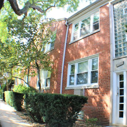 Rent this 2 bed condo on 1940 West Albion Avenue in Chicago, IL 60626