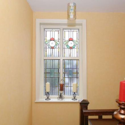 Rent this 4 bed house on Hong Hei in Chatsworth Road, Chesterfield S40 3AX