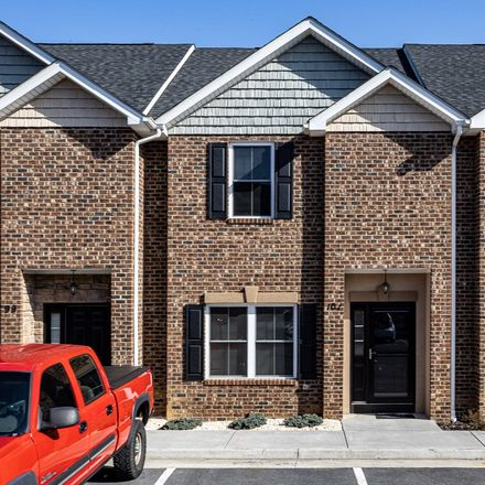 Rent this 3 bed townhouse on 101 Cedar Point Lane in Rockingham County, VA 22802
