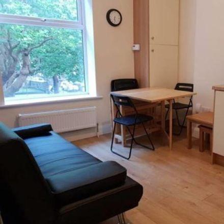 Rent this 1 bed apartment on Saint Alphonsus' Road Lower in Botanic B ED, Dublin
