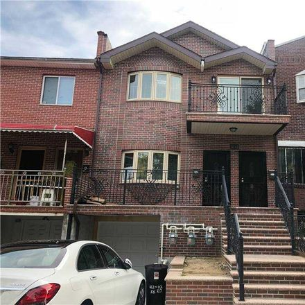 Rent this 3 bed house on 56th Rd in Flushing, NY