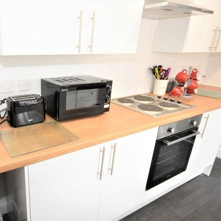 Rent this 4 bed room on Campbell Road in Stoke-on-Trent ST4 4DU, United Kingdom