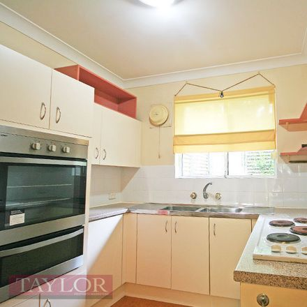 Rent this 2 bed townhouse on 15/10-14 Robert Street