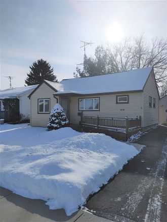 Rent this 2 bed house on 213 Charlton Street in Beaver Dam, WI 53916