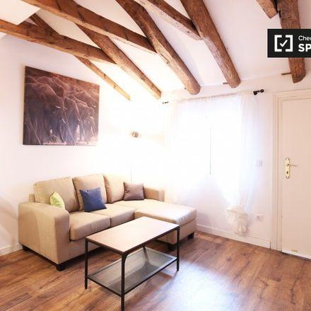 Rent this 2 bed apartment on Calle del Amparo in 10, 28012 Madrid