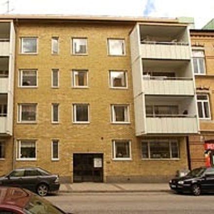 Rent this 2 bed apartment on Norra Vägen in 302 32 Halmstad, Sweden