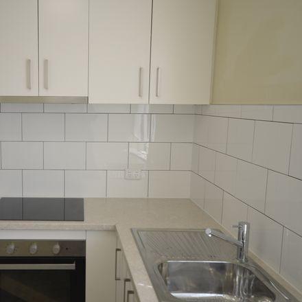 Rent this 2 bed apartment on 5/75 Denham Street