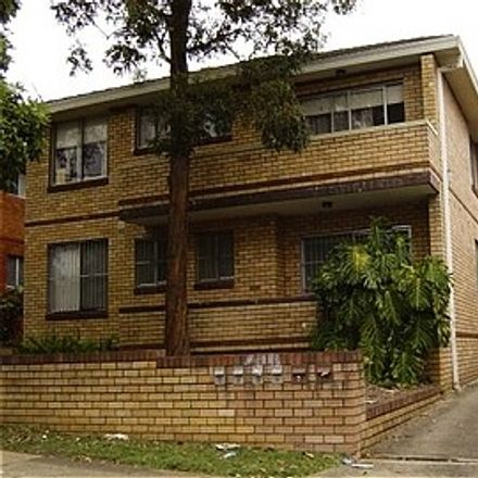 Rent this 2 bed apartment on 5/102 Duke Street