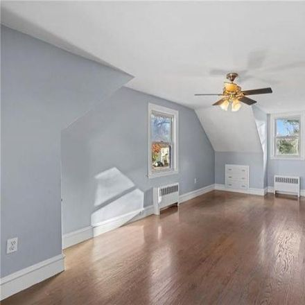 Rent this 3 bed house on 64 Lyman Avenue in Warwick, RI 02888