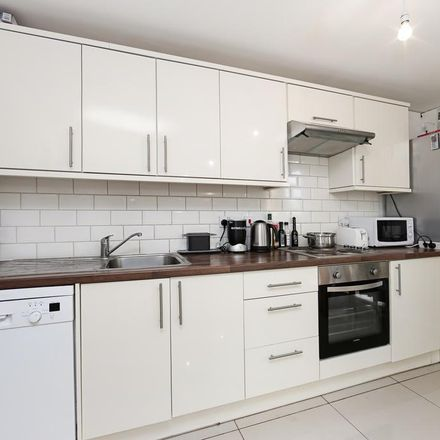 Rent this 3 bed apartment on CBRE in 22 Westferry Road, London E14 8LW