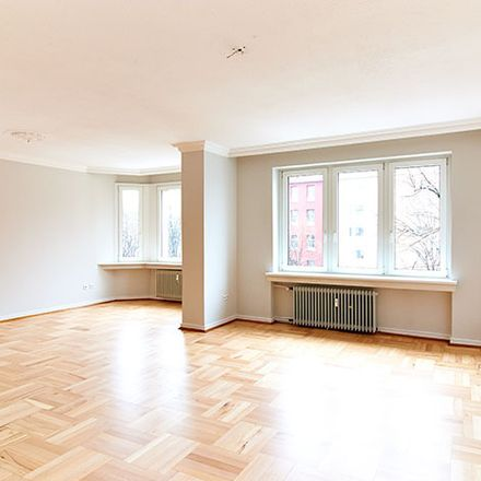 Rent this 3 bed apartment on Grafenberger Allee 38 in 40237 Dusseldorf, Germany