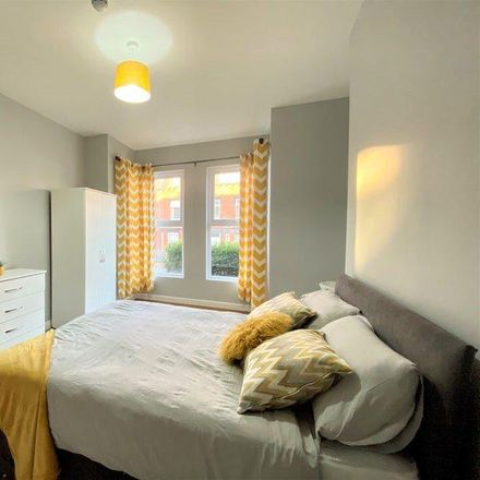 Rent this 1 bed room on Back Norman Terrace in Leeds LS8 2AL, United Kingdom