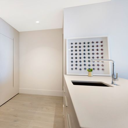 Rent this 1 bed apartment on 1907A/1 Almeida Crescent