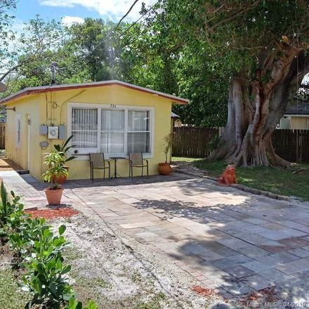 Rent this 1 bed house on 726 Columbus Pkwy in Hollywood, FL 33021