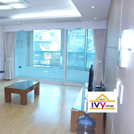 Rent this 3 bed house on 685-21 Hannam-dong in Yongsan-gu, Seoul