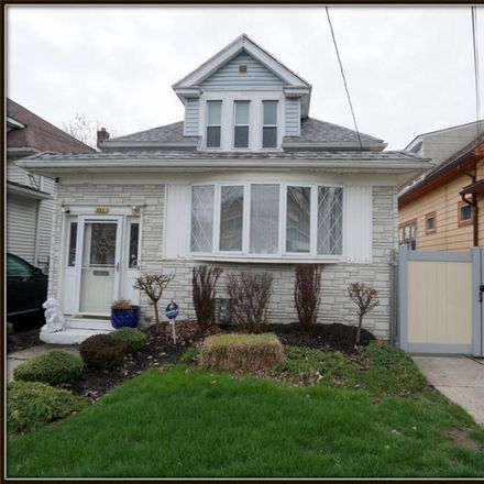 Rent this 5 bed house on 483 Winspear Avenue in Buffalo, NY 14215