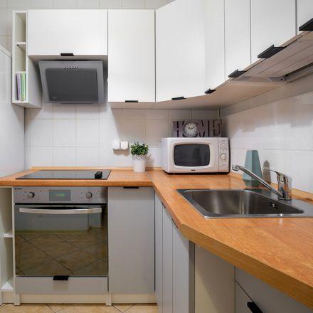 Rent this 5 bed room on Bolesława Czerwieńskiego 10 in 31-319 Krakow, Poland