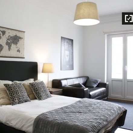 Rent this 6 bed apartment on 1150-115 Lisbon
