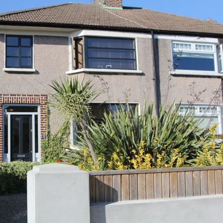 Rent this 1 bed house on Dublin in Harmonstown B ED, L