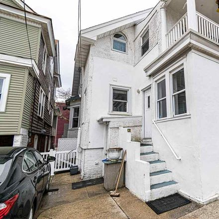Rent this 3 bed house on Ventnor Ave in Longport, NJ