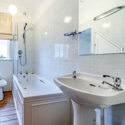 Rent this 1 bed apartment on Oakdale Road in Weybridge KT13 8EJ, United Kingdom