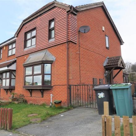 Rent this 3 bed house on Cornfield in Kirklees WF13 3UY, United Kingdom