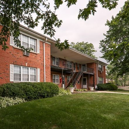 Rent this 3 bed apartment on Hinsdale Middle School in East 3rd Street, Hinsdale
