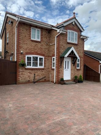 Rent this 3 bed house on Doncaster DN4 6TF