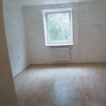 Rent this 3 bed apartment on Am Schewenkamp 50a in 45527 Hattingen, Germany
