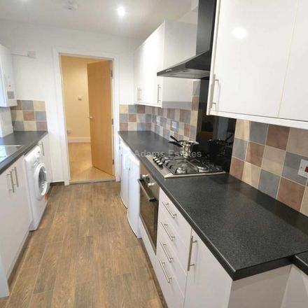 Rent this 3 bed house on 47 Brighton Road in Reading RG6 1PS, United Kingdom