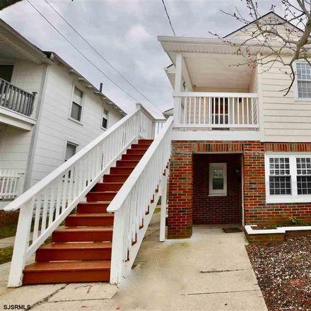 Rent this 3 bed apartment on 120 North Rosborough Avenue in Ventnor City, NJ 08406