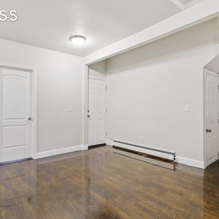 Rent this 3 bed townhouse on 269 Ainslie Street in New York, NY 11211