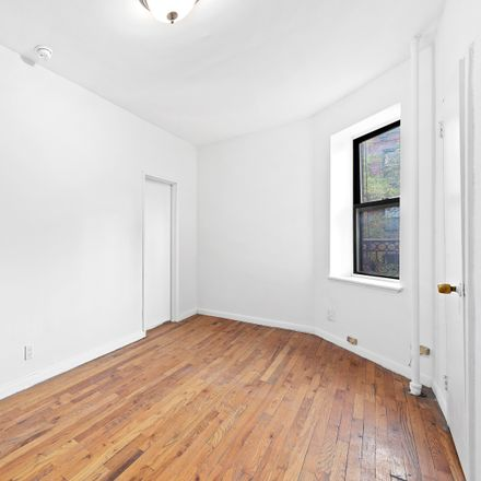 Rent this 2 bed apartment on 1716 2nd Avenue in City of Watervliet, NY 12189