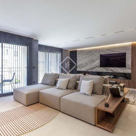 Rent this 4 bed apartment on Hernán Cortés - Ciril Amorós in Carrer d'Hernán Cortés, 46004 Valencia