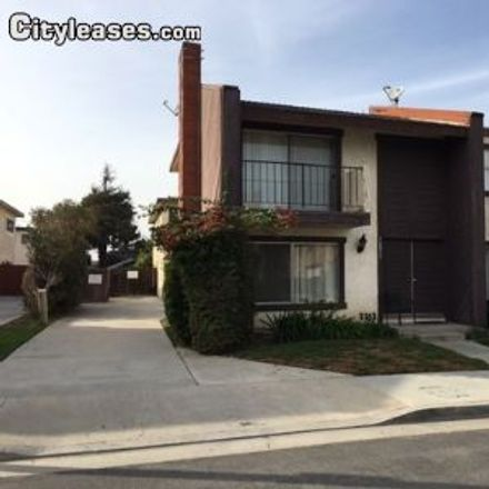 Rent this 3 bed apartment on Trader Joe's in Boardwalk Drive, Huntington Beach