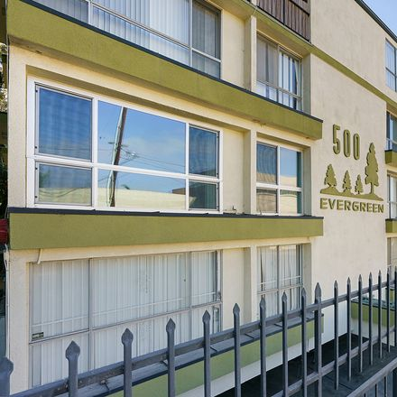 Rent this 1 bed condo on 500 Evergreen Street in Inglewood, CA 90302