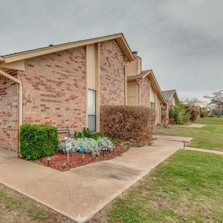 Rent this 2 bed duplex on 707 NW 137th St in Edmond, OK