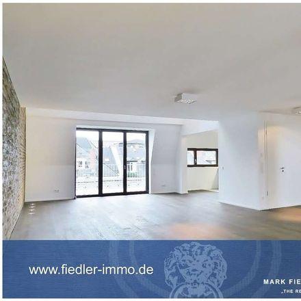 Rent this 3 bed duplex on 60596 Frankfurt