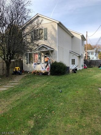 Rent this 3 bed house on Parker St in Franklin, NJ